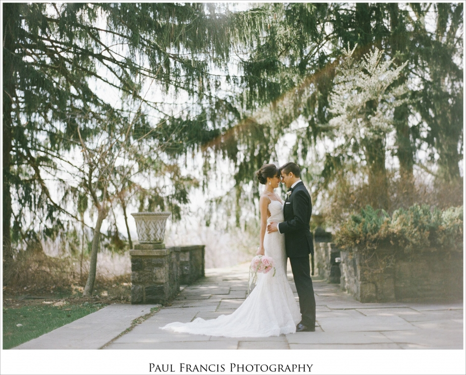 Candid Wedding Photographer Photographs Photography Castle At
